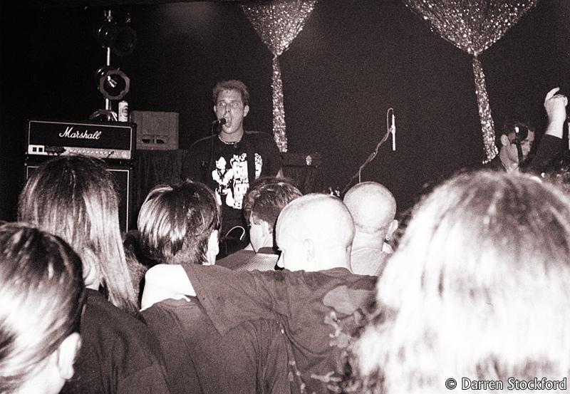 Tom Spencer of The Yo-Yo's, live at the Garage, London, 24 September 1998